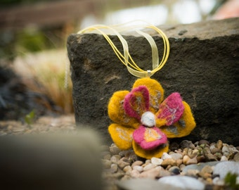 Big and Bold Felted Flower necklace