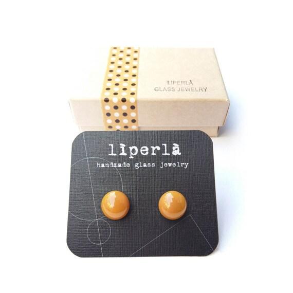 Brown stud earring, caramel brown studs, brown studs, caramel lampwork stud earrings