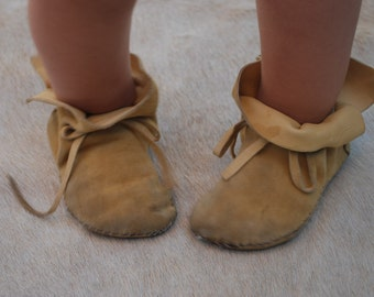 Authentic Moccasin Baby Booties by IntotheWild