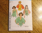 SEXY 1970s Set of 4 Sexy Summer Festival Tops / Halter Top / Flutter Shirt - Size Small (10 - 12) - VINTAGE Sewing Pattern Simplicity 8029