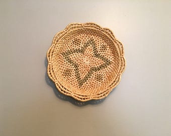 Basket Wall Decor / Woven Straw Basket / Basket Wall Hanging / Bohemian Decor / Decorative Basket / Raffia Starburst Basket Tray
