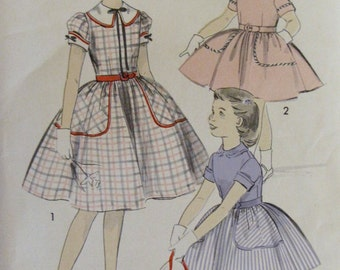 Vintage 1950'a Girl Big Collar Puffed Sleeves Big Pocket Dress - lAdvance 8279 - Size 10 - Girls