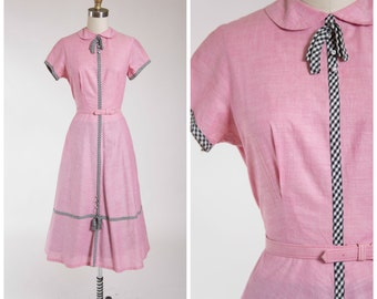 Vintage 1950s Dress • Making Up • Pink Chambray Cotton 50s Day Dress with Full Skirt Size Small