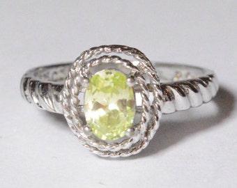 SALE Vintage Sterling Silver Green CZ Modern Band Ring Size 8