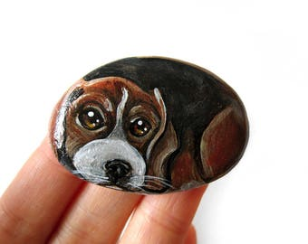 Beagle Art, Dog Painting, Beach Stone, Pet Portrait, Memorial Gift, Paperweight, Paper Weight, Hand Painted Rock Decor, Death of Pet