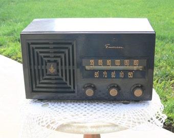 Emerson Bakelite working am fm  radio