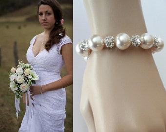 Chunky pearl Bracelet, Brides bracelet, Pearl bracelet, Swarovski pearl bracelet, Pearl wedding bracelet, Bridesmaids pearl bracelet, LOLITA