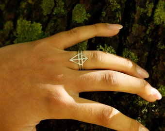 RUUTI Ring sterling silver / dark oxidized recycled silver ring