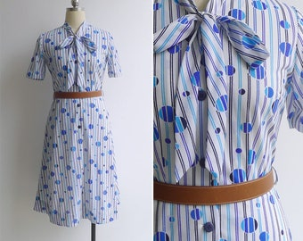 Vintage 70's 'Blowin' Bubbles' White & Blue Op Art Print Pussy Bow Dress XS or S