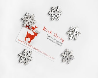 Snowflake Magnets in Metallic Silver. Winter Kitchen, Home Office Organization, Holiday Decoration. Perfect for Winter Weddings too!
