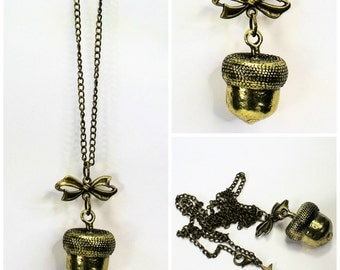 Acorn Kiss Necklace - Kiss For Wendy Peter Pan and Wendy Light Antique Bronze