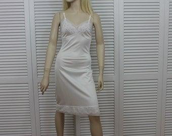 Vintage Full Slip White 1970s Size 32