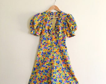 Vintage Watercolor Floral Babydoll Dress / Fit & Flare Dolly Dress / Yellow Mini Dress / 1960s