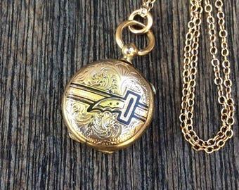 Petite Antique 1800s Victorian Taille d'épargne Enamel Locket Necklace, Victorian Buckle Locket