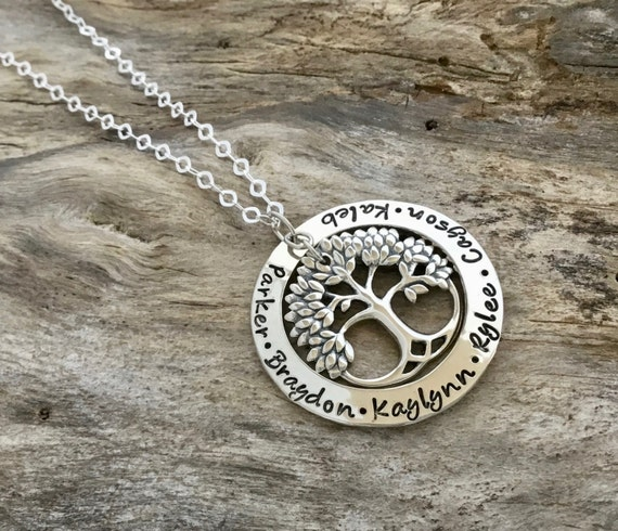 Family Tree Necklace / Mothers Necklace / Mom necklace / Grandma Necklace / Tree Necklace / Mom Jewelry / Mom Necklace with Kids Names