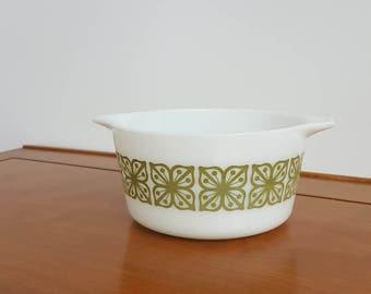 Vintage Pyrex 1 Qt Casserole Dish