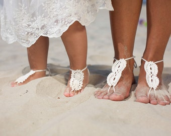 Mommy and me Crochet Barefoot Sandals, Set of two Lace barefoot sandals, Baby Foot accessories, Photo prop, Beach Pool Anklet, Beach wedding