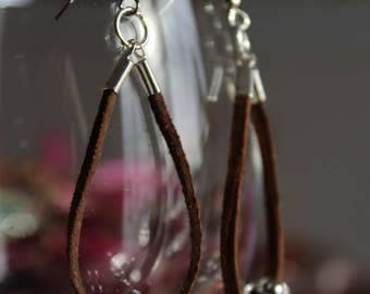 Leather and metal pendant earrings