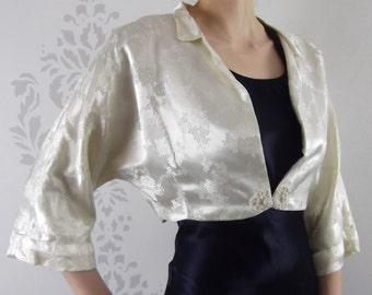 VINTAGE WHITE JACKET 1960s Brocade Lined Dolman Size Medium