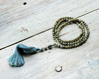 Beautiful labradorite gemstone mala necklace