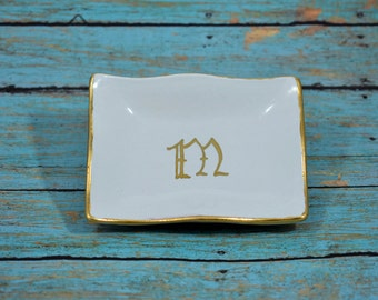 Gold Monogrammed Dish, Rectangle Jewelry Bowl, Modern Dish, Gold Trimmed Dish, Wedding gift, Valentine's Gift, Calligraphy Initial