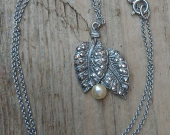 Marcasite and pearl pendant and chain