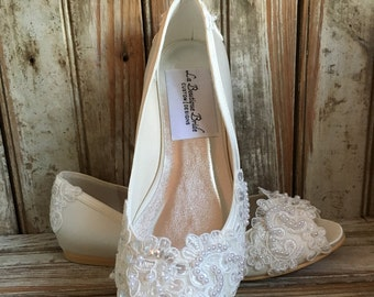 Victorian Style Flat Bridal Shoe Open Toe Pump Custom Beaded Hand Made Pearl Crystal Lace Detail Flat Wedding Shoe Ballet