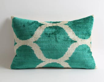 Green lumbar modern ikat velvet pillow cover // 12x18 white cream green velvet pillow