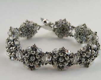 Beading Tutorial - La Petite Fleur Bracelet
