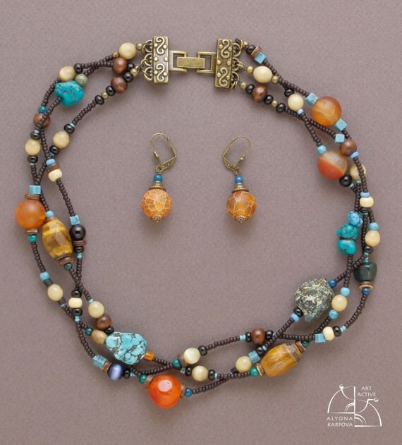 Ethnic style. Boho jewelry set. Asymmetric necklaceand and bright agate earrings. Cool gift for her. Natural stones