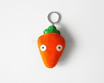 Carrot felt keychain, funny carrot mini plush, pretend vegetable, orange, veggies accessory, vegan gift idea, eat your veggies