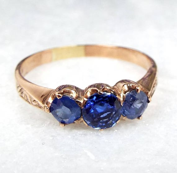 Antique Victorian Edwardian 9ct Rose Gold Engraved Sapphire Trilogy Ring / Size N