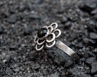 Handmade Onyx ring, sterling silver, flower ring, black ring, 6mm cabochon ring, jump rings