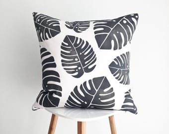 PALM LEAVES PILLOW cover / decorative cushion / black and white / washable cotton / 18x18 / la petite boite / handmade