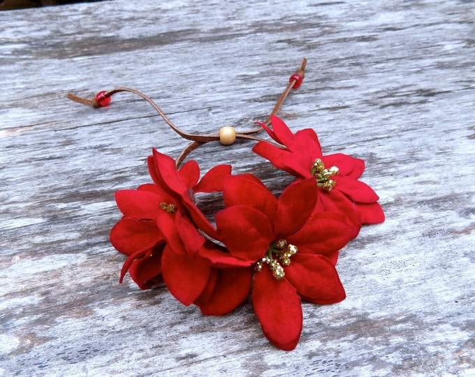 SALE! Festive floral bun wrap with red and gold poinsettia flowers, bohemian flower hair accessory for Christmas and New Year's Eve