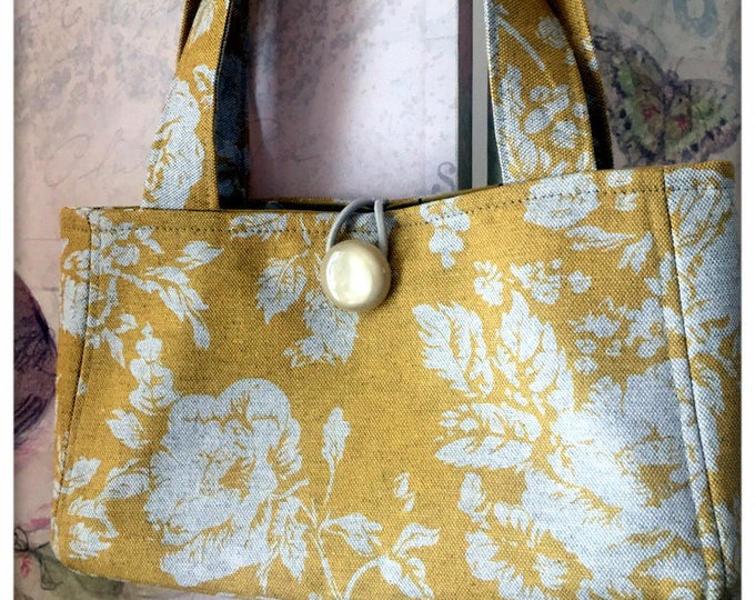 Featured listing image: Sienna Handbag in Deep Yellow Linen with Natural Linen Roses, Vintage Bakelite Button