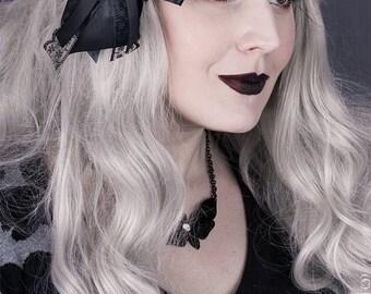 Gothic r skull hair bow/brooch steampunk