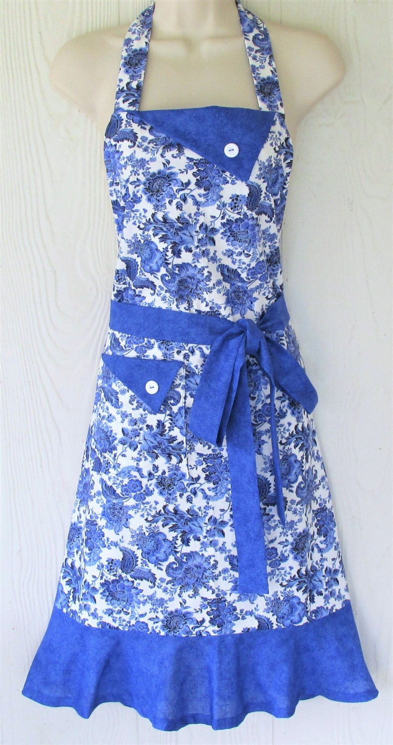 blue floral apron retro style apron full apron wedgewood. Black Bedroom Furniture Sets. Home Design Ideas