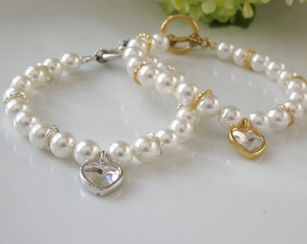 Bracelet of pearls and heart charms Swarovski, made in quebec, gift, valentine, wedding