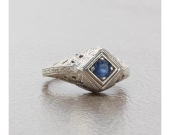 Natural Sapphire Art Deco Style Filigree Ring in Sterling Silver