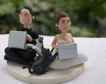Small Wedding cake topper or centerpiece. Gamer couple with pets cats. Handmade. Fully customizable.