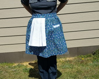 Apron ~ Apron with towel ~ Half Apron ~ Mothers Day gift ~ Bridal Shower Gift ~ Cooking Utensil ~ Vintage Apron ~ Chef's Choice ~ Clean Cook