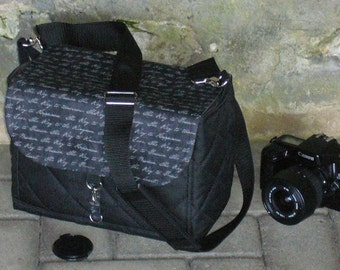 Camera bag for DSLR, bridge cameras
