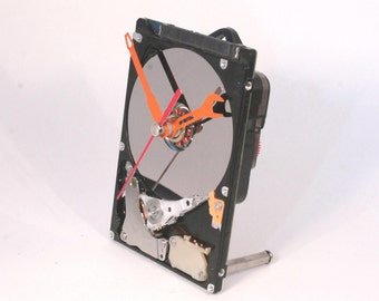 Recycled Computer Hard Drive Clock - Desk clock - Gift for Him - Geeky clock - Unique gift IT