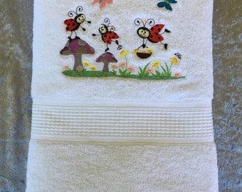 Bath Towel – Embroidered – Ladybug Garden – White