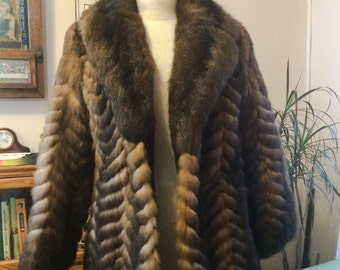 Vintage Women's 70s Fur Coat New Zealand Opossum Fur Coat Fur Stroller Jacket size Medium M