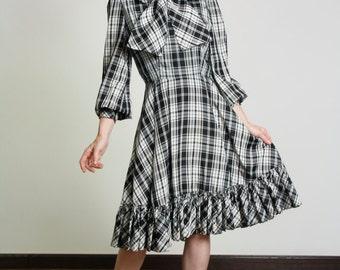 SALE 1950s Plaid Dress Black & White with Bow