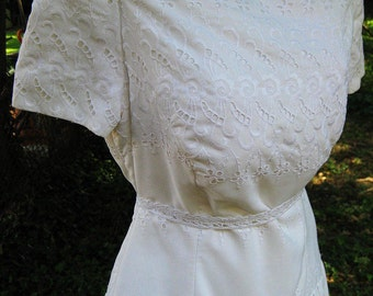 White Cotton Brides dress, EYELET LACE dress, vintage wedding party dress, Formal Cotton dress, Cocktail Party Dress, Ladies White Dress