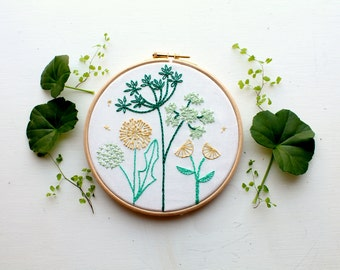 Spring Wild flower Embroidery Stitch sampler. Beginner embroidery kit. Home decor.DIY craft kit.Botanical art. Embroidery pattern.Tutorial