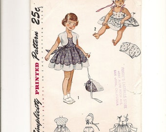 Girl's Vintage Sun Dress Pattern size 4, Panties, Bolero and Bonnet, Simplicity 3213, FF